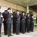 警備員は交通誘導検定などの上級資格を取らないと年収300万以下!警備関係の資格とキャリアまとめ