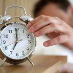 朝6時に起きる社会人は夜何時に寝るとスッキリ起きれる?適切な睡眠時間まとめ